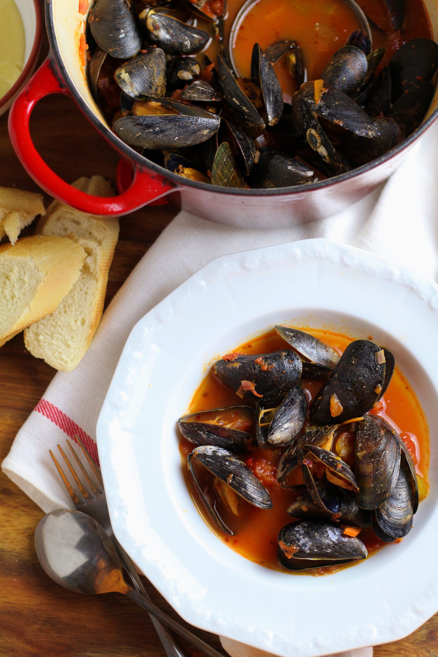 Spicy Tomato and Garlic Mussels