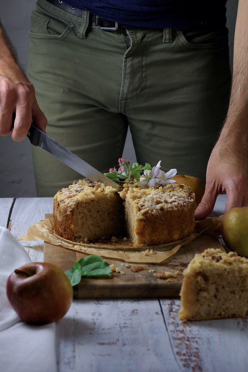 Farmhouse Apple Cake
