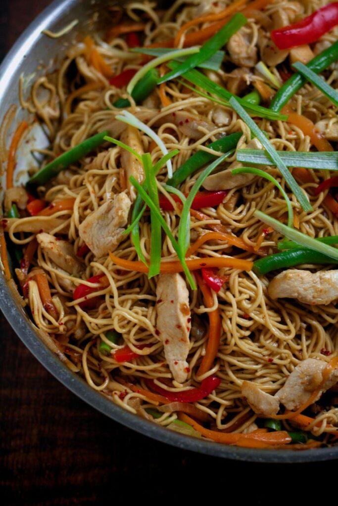Easy Chicken Lo Mein Noodles